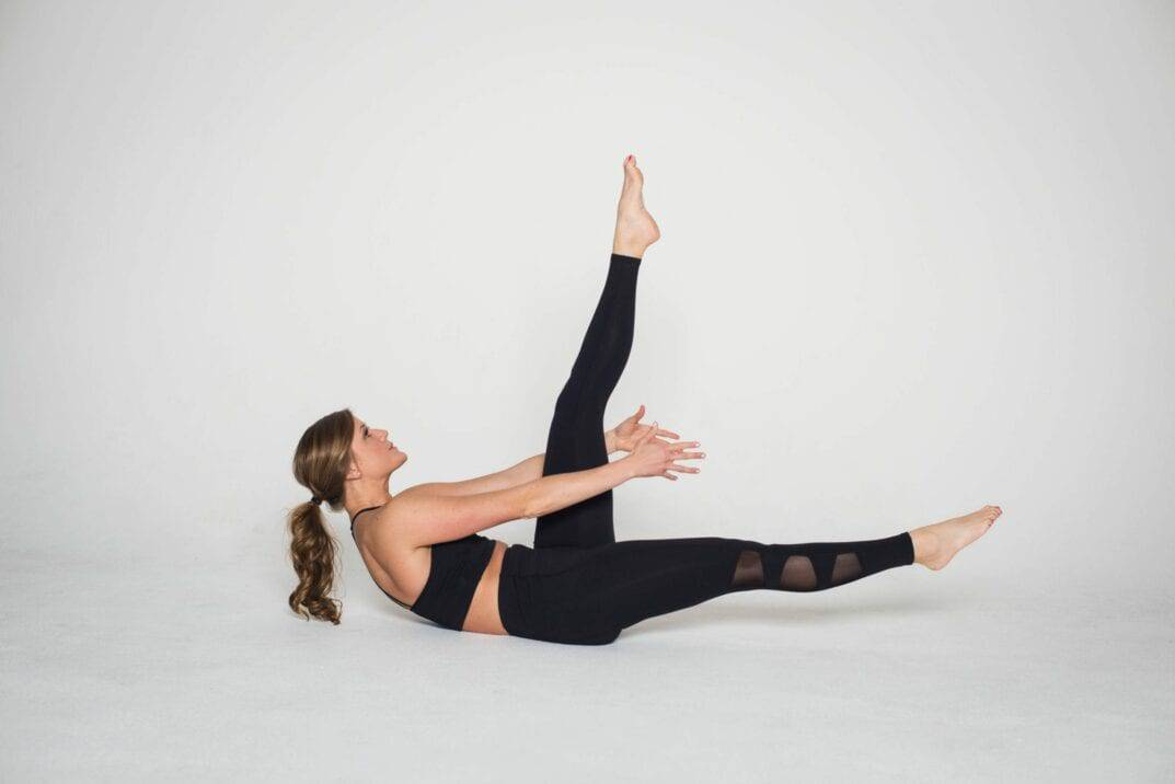 Single Straight Leg Stretch or Scissors